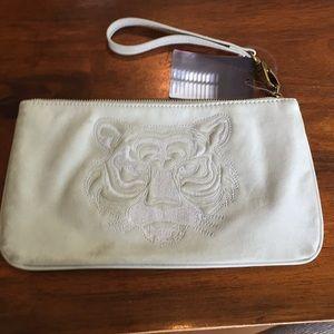 Deena & Ozzy light gray clutch purse